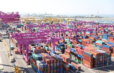 Incheon New Port Container Yard (16.9.20)